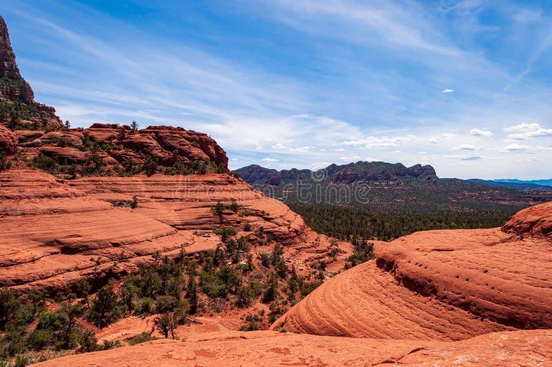 Vista am H?hnerpunkt am Ende eines Hinter4x4 defekten Pfeiles in Sedona Arizona lizenzfreie stockbilder