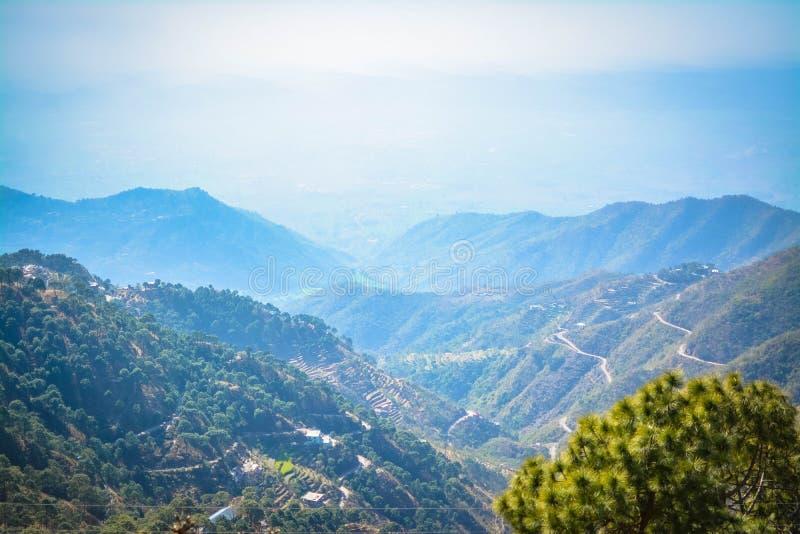 Vista Himachal Pradesh delle colline di Dagshai fotografia stock libera da diritti