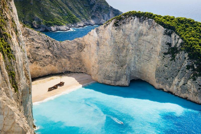Vista idilliaca di bella spiaggia di Navagio sull'isola di Zacinto in Grecia immagine stock libera da diritti