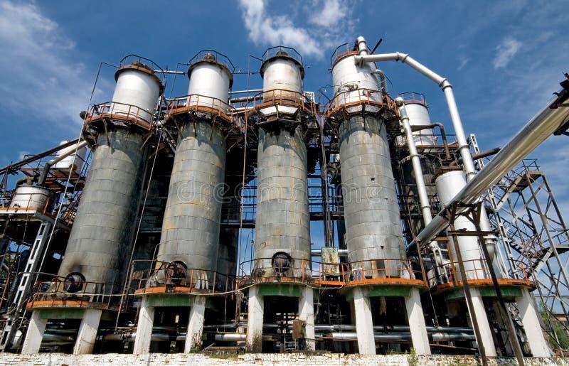 Vista industrial com complexo de refinaria imagem de stock