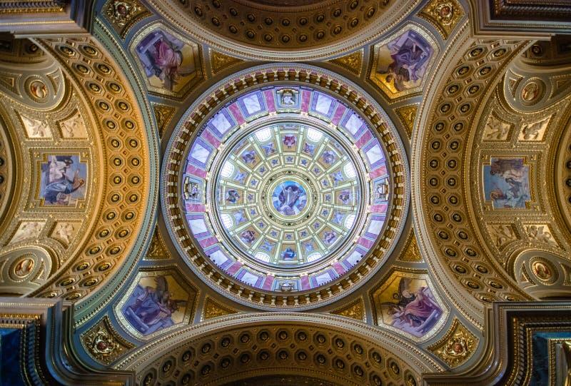 Vista interior da basílica de St Stephen em Budapest, Hungria fotografia de stock