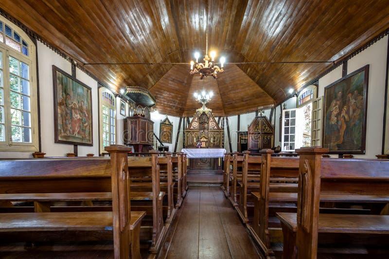 Vista interior da igreja do estilo de Fachwerk do alemão no parque imigrante da vila - Nova Petropolis, Rio Grande faz Sul, Brasi fotografia de stock
