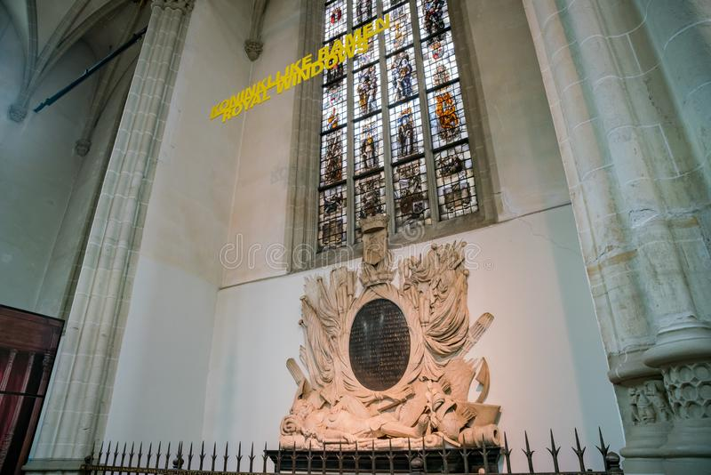 Vista interior da igreja nova foto de stock royalty free