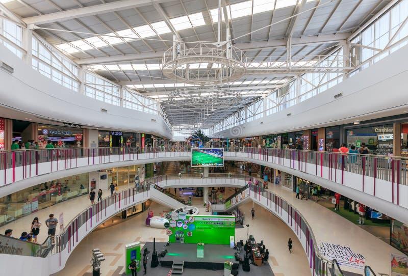 Vista interior de la plaza central SALAYA foto de archivo