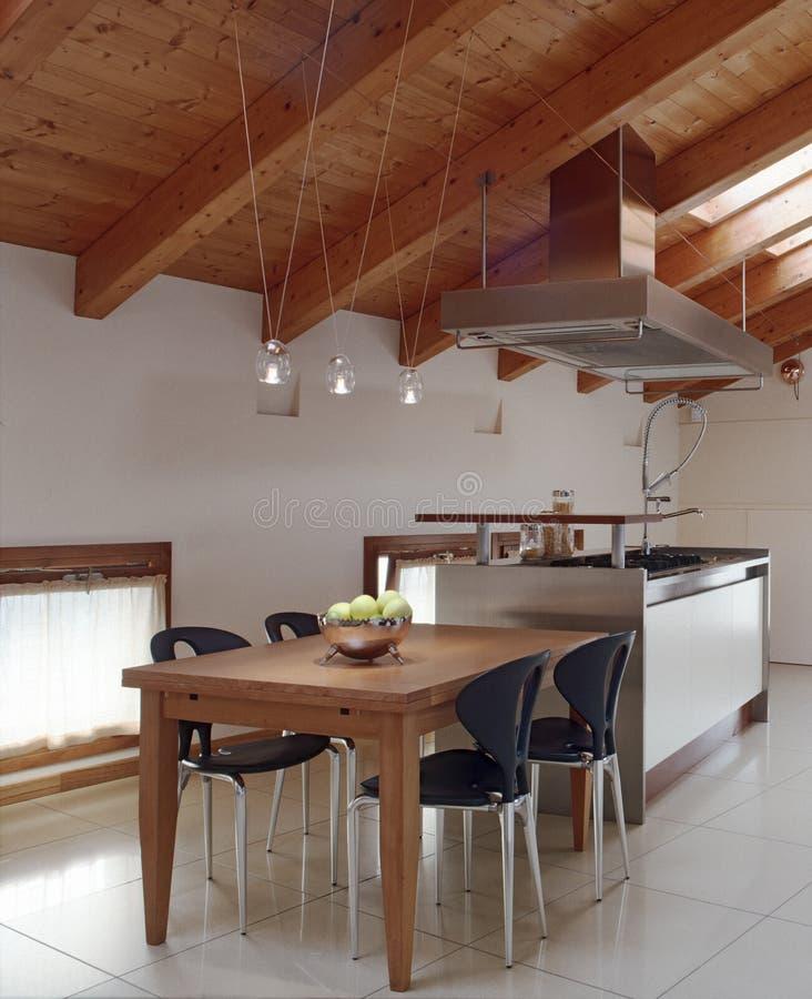 Vista interior de uma cozinha do modenr imagens de stock