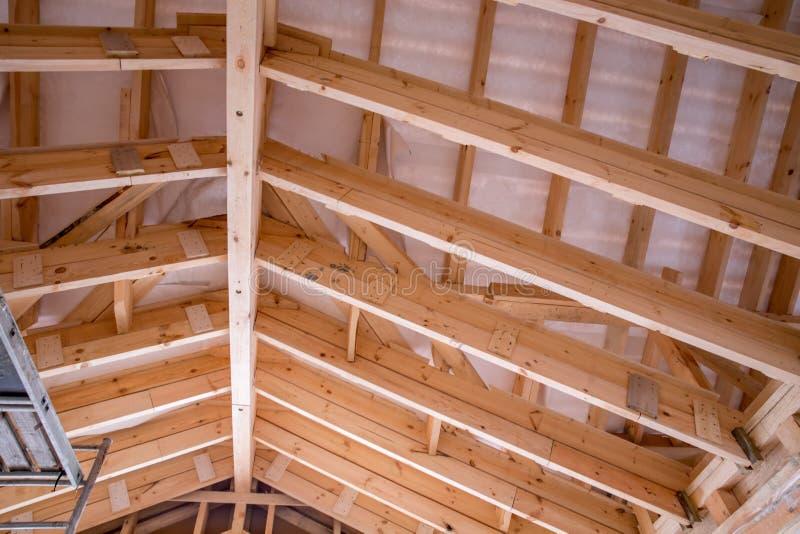 Tejado de madera tejado madera cpula de madera semi - Tejado madera ...