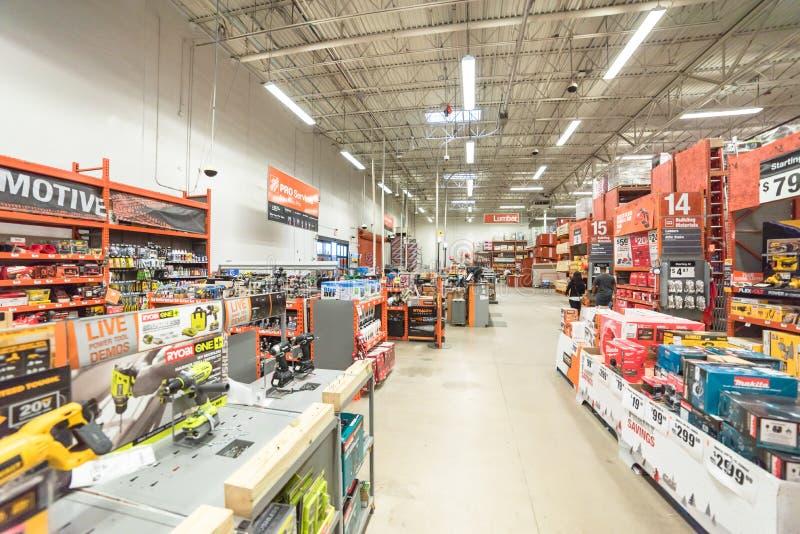 Vista interior de una tienda al por menor de Home Depot imagen de archivo libre de regalías