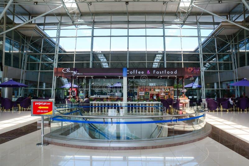 Vista interior del aeropuerto de Lien Khang en Dalat, Vietnam imagenes de archivo