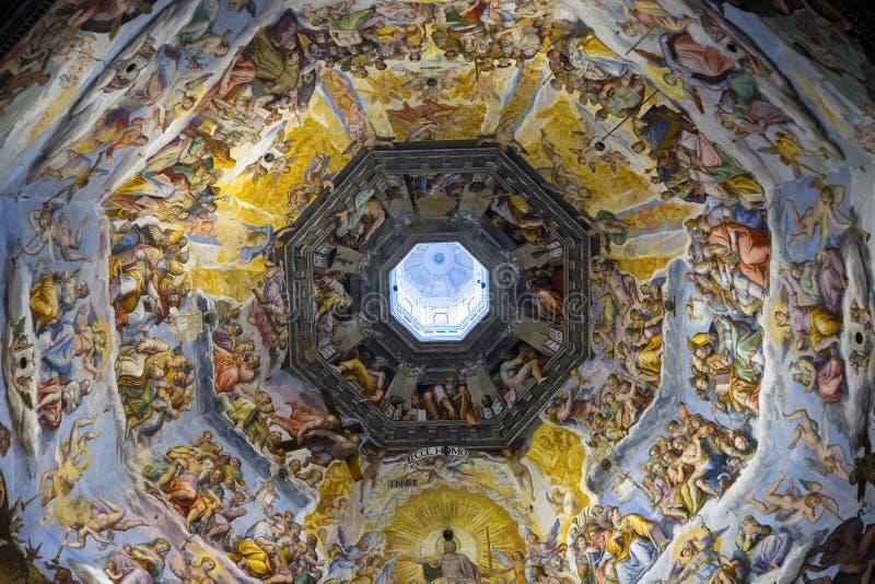 Vista interior del ciclo pasado del fresco del juicio en la bóveda de la catedral de Santa Maria del Fiore, el Duomo, Florencia,  fotos de archivo