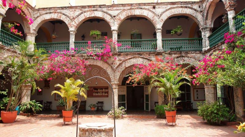 Vista interior do convento do La Popa na cidade de Cartagena imagem de stock