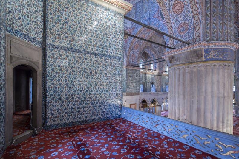 Vista interna da mesquita azul, Istambul imagens de stock