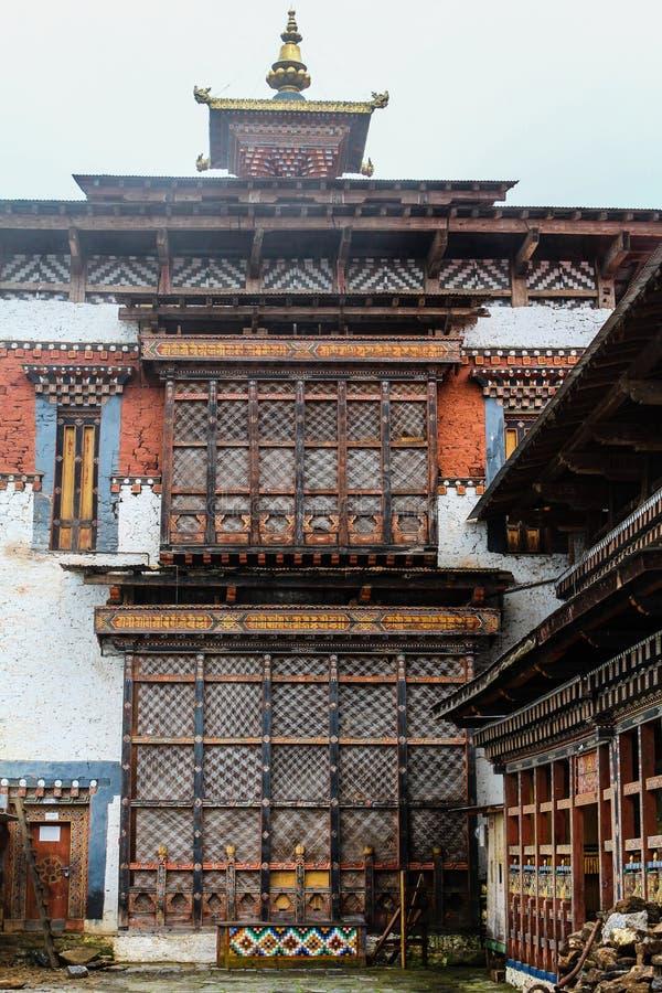 Vista interna de Trongsa Dzong, uno del Dzongs más viejo de Bumthang, Bhután, Asia imagenes de archivo