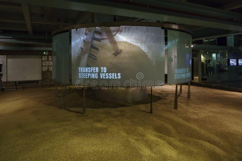 Vista interna del deposito famoso di Guinness immagini stock libere da diritti