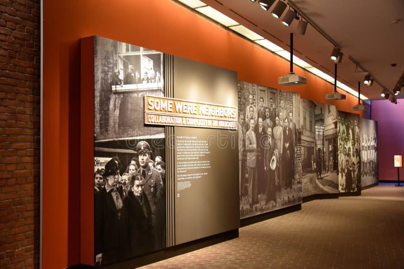 Vista interna del museo commemorativo di olocausto, in Washington DC, U.S.A. immagine stock