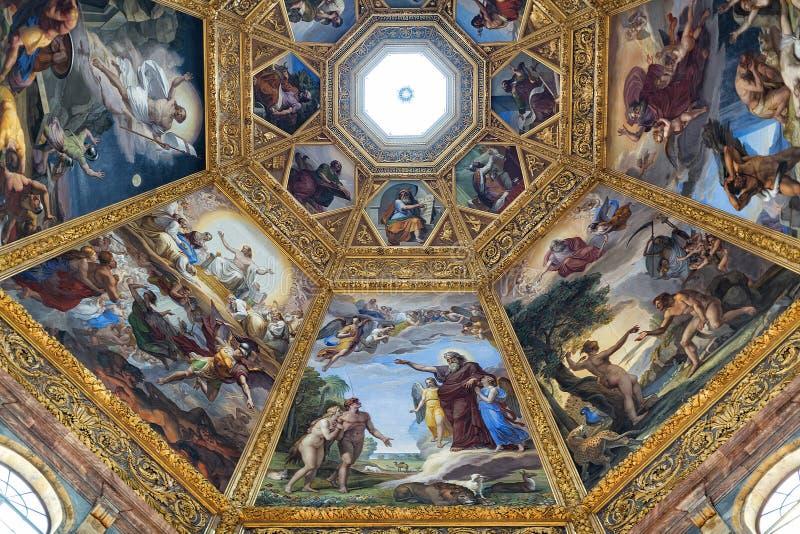 Vista interna della cappella di Medici fotografia stock libera da diritti