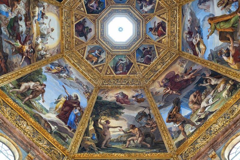 Vista interna della cappella di Medici immagine stock