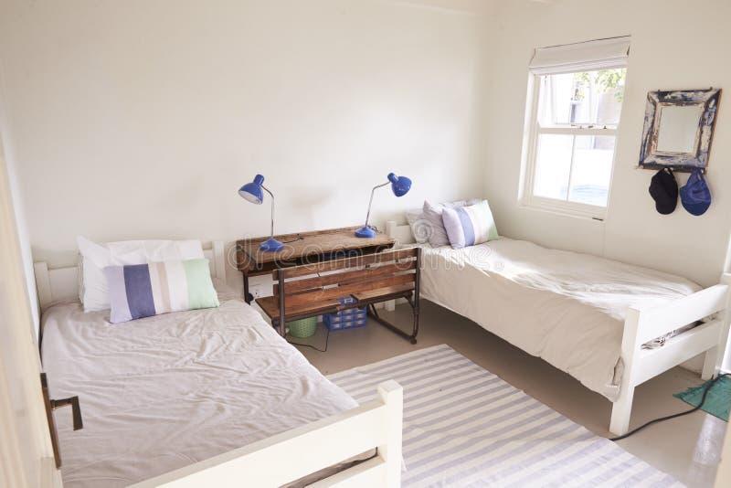 Vista interna di bella luce e della camera da letto di Airy Child immagine stock libera da diritti