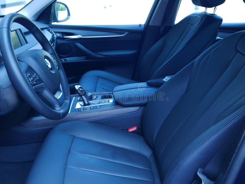 Vista interna di nuovo azionamento 3 di BMW X5 5i, Lima fotografie stock libere da diritti