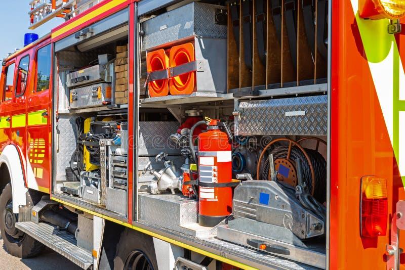Vista interna di un camion dei vigili del fuoco tedesco immagini stock