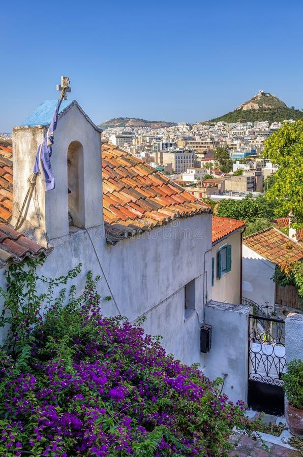 Vista a la ciudad de Atenas de la vecindad de Plaka, Grecia foto de archivo