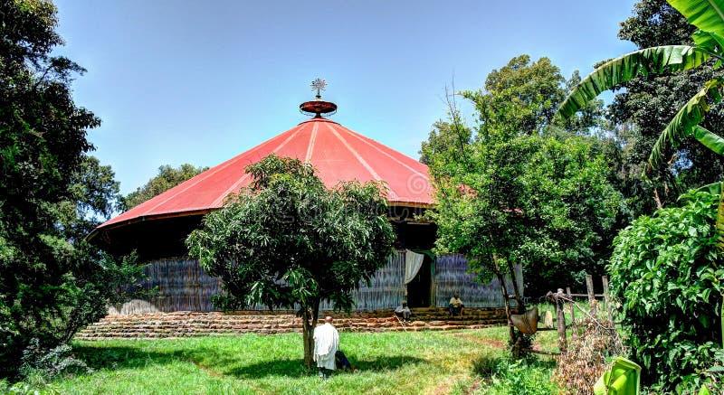 Vista a la iglesia en el convento de Ura Kidane Mehret en la península de Zege alrededor del lago Tana, Bahir Dar, Etiopía fotografía de archivo libre de regalías