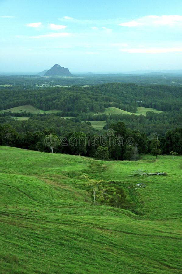 Vista A Las Montañas Del Invernadero Fotografía de archivo