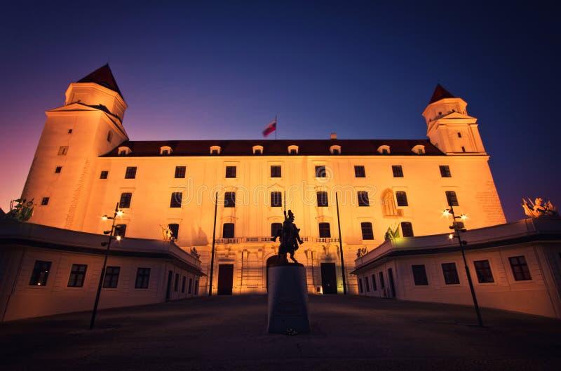 Vista lateral de Bratislava Castle fotografía de archivo libre de regalías