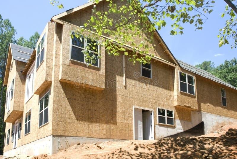 Vista lateral de la nueva construcción fotos de archivo
