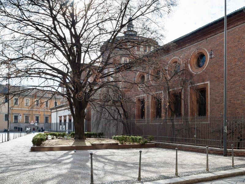 Vista lateral del grazie del delle de Santa Maria de la iglesia fotografía de archivo libre de regalías