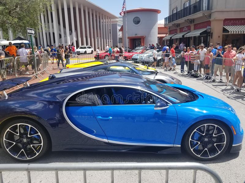 Vista lateral do pagani do chiron e do LA Ferrari fotografia de stock