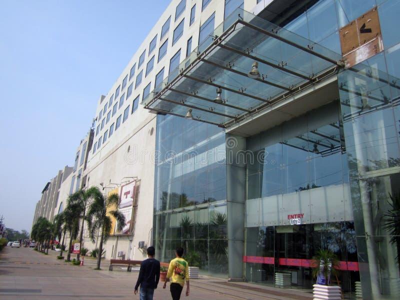 Vista laterale del centro commerciale di Magnetto - Raipur fotografia stock