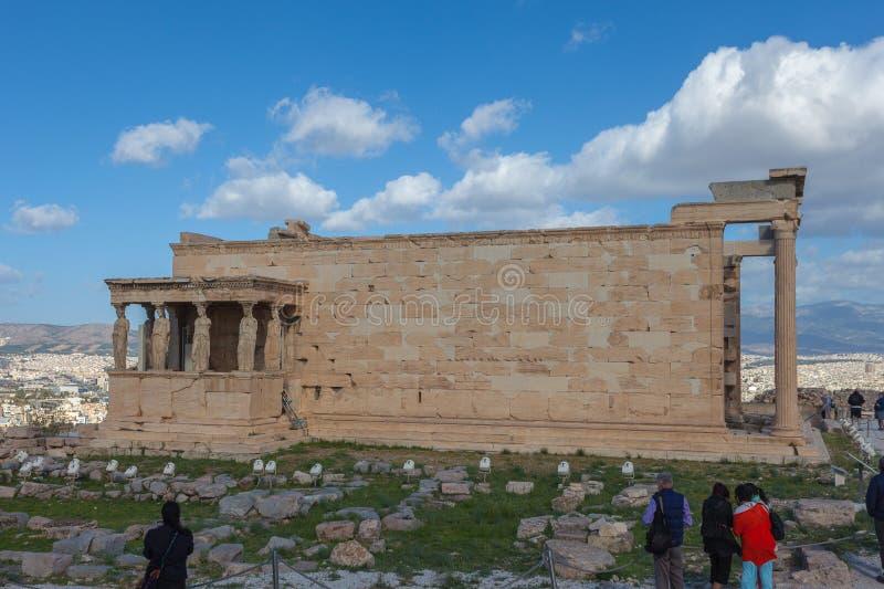 Vista laterale del Erechtheion, tempio dedicato alla dea Athena Poliade immagine stock