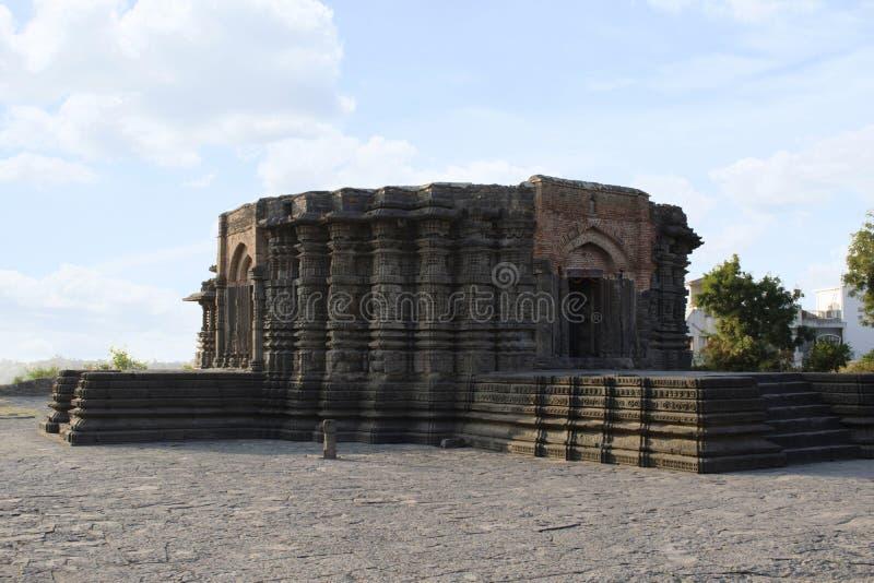Vista laterale del tempio di Daitya Sudan, Lonar, distretto di Buldhana, maharashtra, India immagini stock