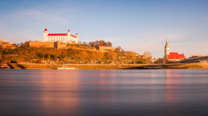 Vista laterale di Bratislava Castle immagini stock libere da diritti