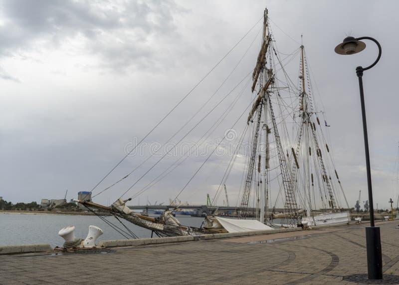 Vista laterale: Navi alta una e tutta, porta Adelaide, SA fotografia stock