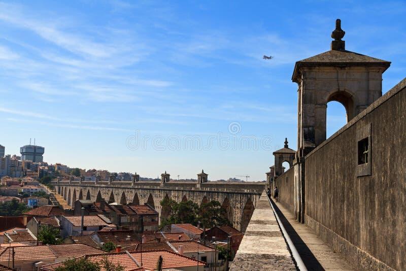 Vista Lisbona dell'aquedotto fotografia stock libera da diritti