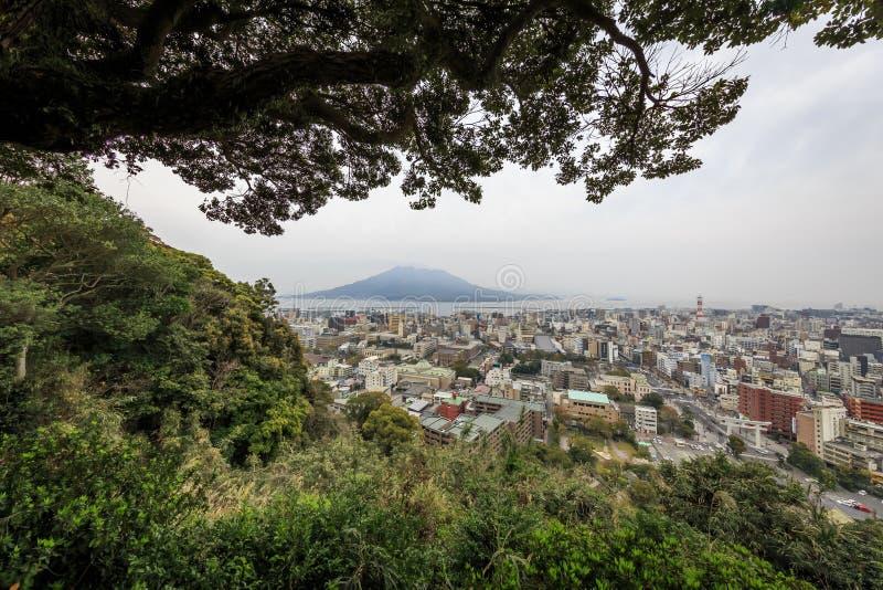 Vista lontana di sakurajima fotografia stock