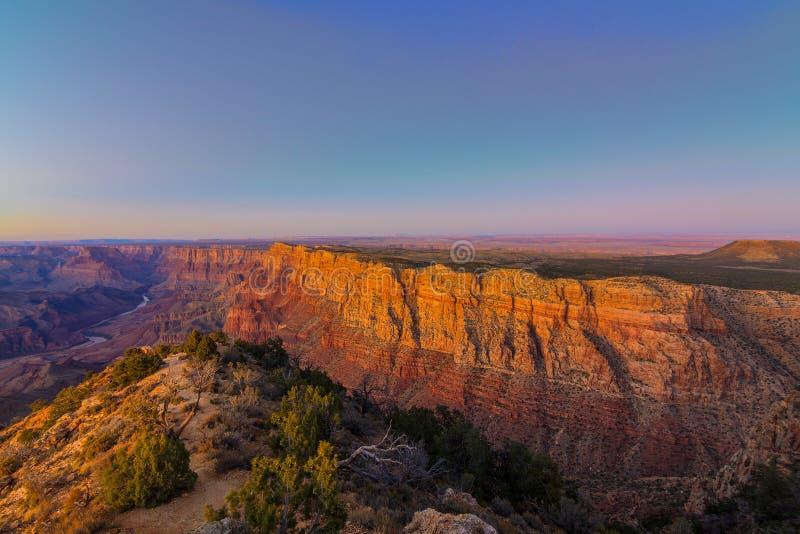 Vista maestoso di grande canyon al crepuscolo immagini stock libere da diritti