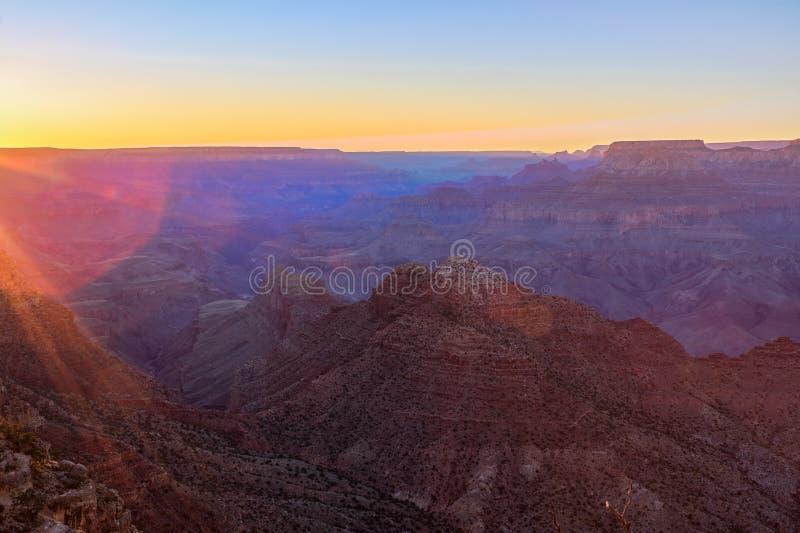 Vista maestoso di grande canyon al crepuscolo fotografie stock libere da diritti