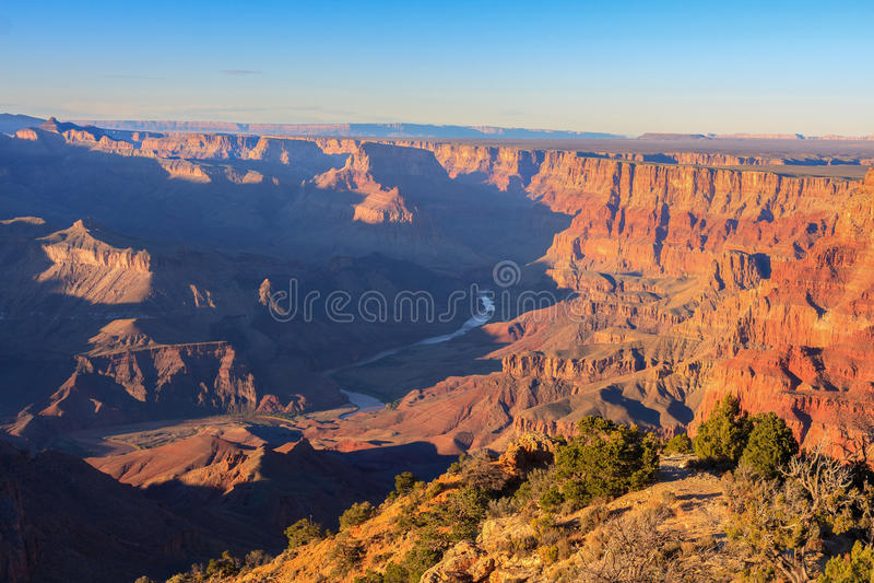 Vista maestoso di grande canyon al crepuscolo fotografia stock