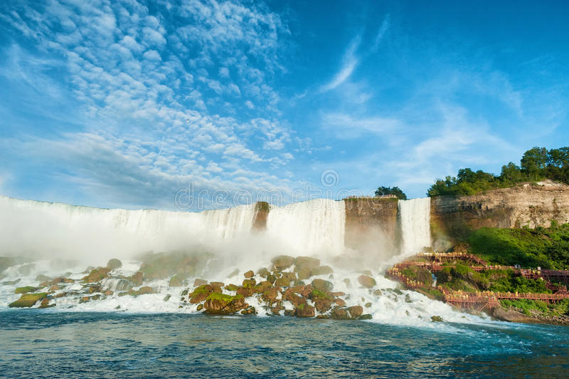 Vista majestosa no Niagara Falls fotos de stock
