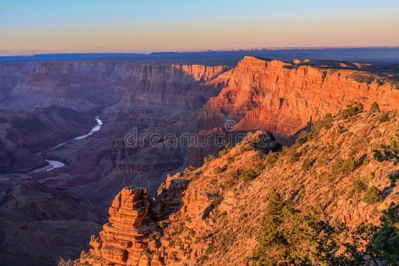 Vista majestueux de la gorge grande au crépuscule image stock