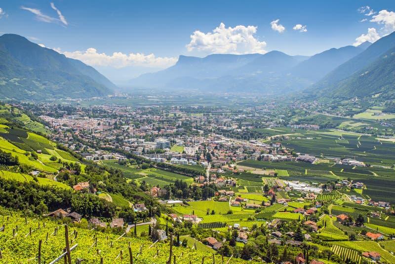 Vista a Merano el Tirol del sur imágenes de archivo libres de regalías