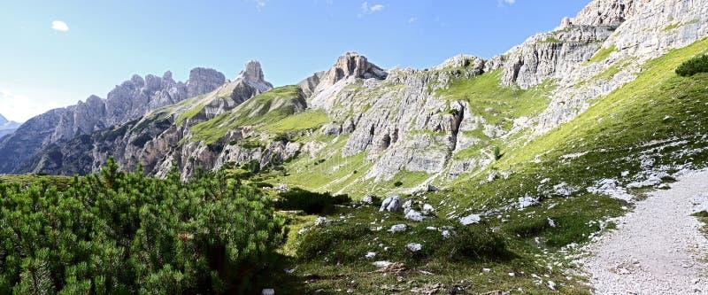 Vista meravigliosa delle dolomia - Trentino Alto Adige sulle dolomia Italia di Sesto del parco nazionale fotografia stock libera da diritti