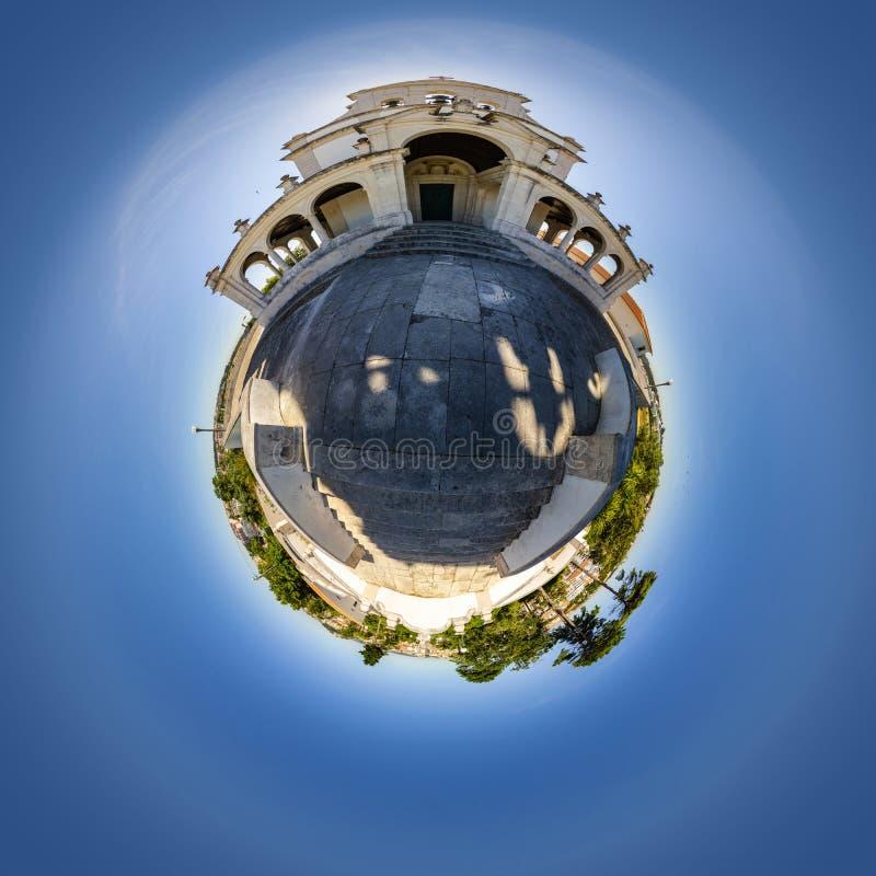 Vista minuscola del pianeta della chiesa di Nossa Senhora da Encarnação a Leiria, Portogallo immagini stock libere da diritti