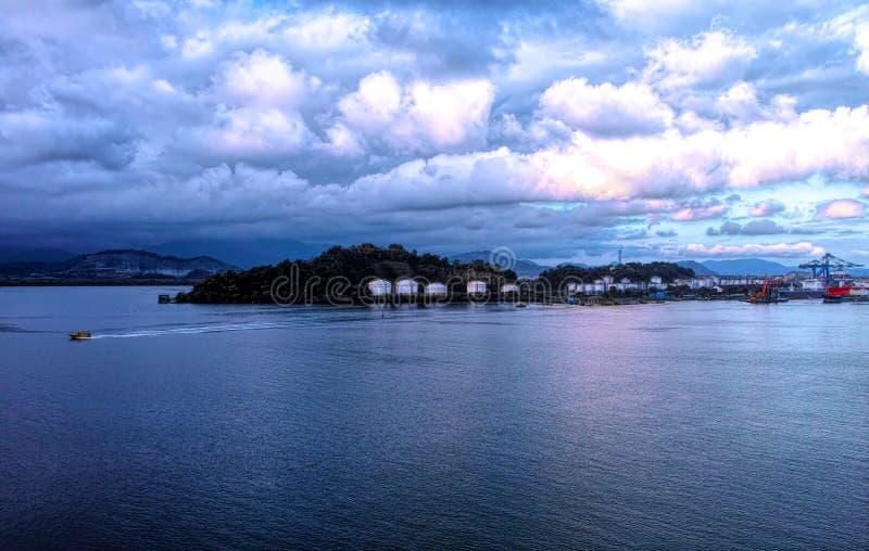 vista muy bonita del puerto de Santos imagen de archivo