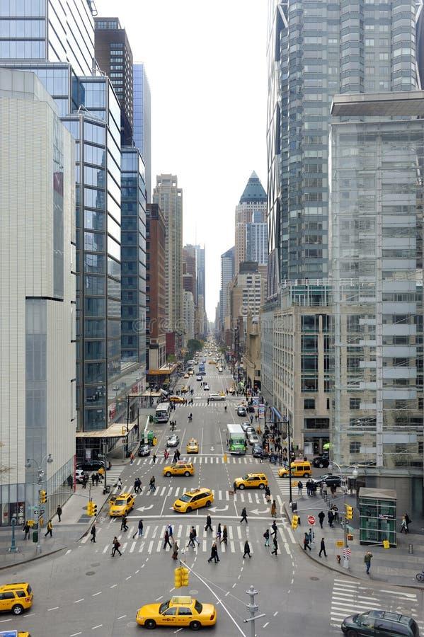 Vista na 8a avenida em New York fotografia de stock