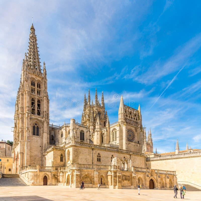 Vista na catedral de St Mary do lugar de Rey San Fernando em Burgos - Espanha fotografia de stock