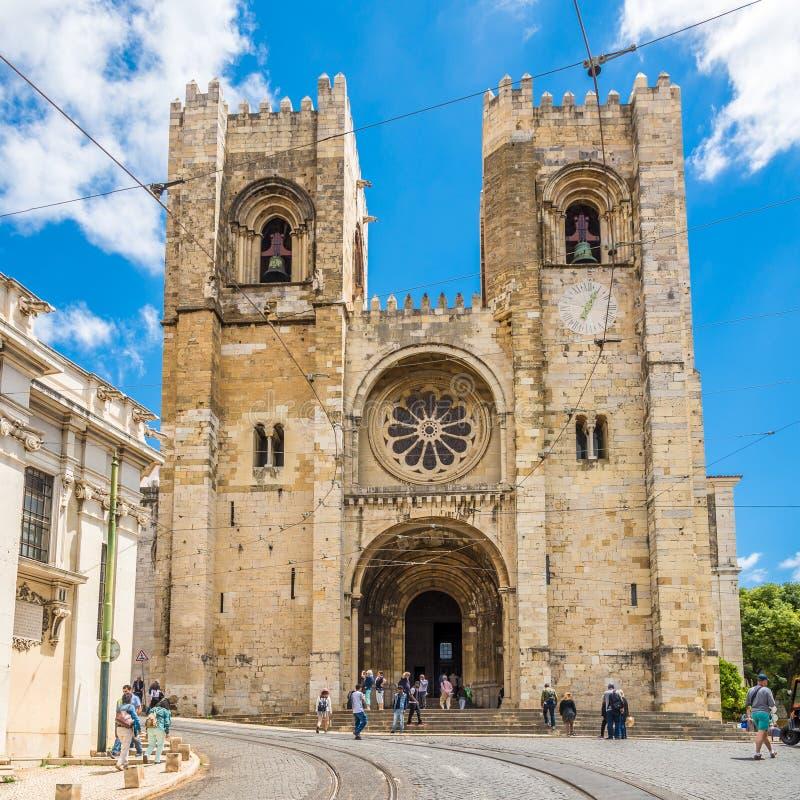 Vista na catedral do major de StMary em Lisboa - Portugal fotografia de stock royalty free