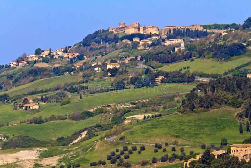 Vista na cidade de Volterra, Toscânia foto de stock